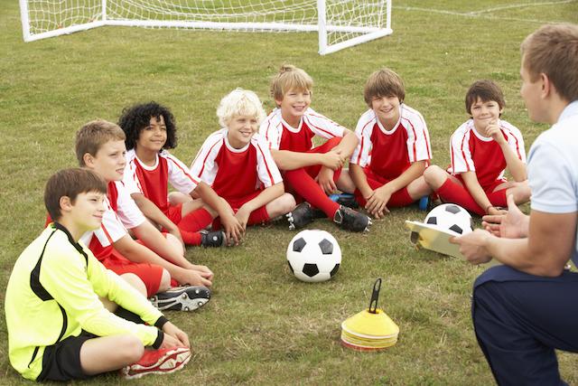 Team-meeting-with-coach-at-Gatlinburg-sports-tournament