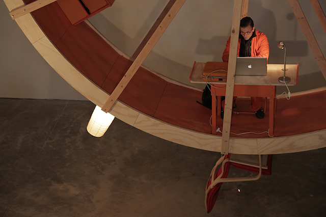ward-shelley-+-alex-schweder-human-hamster-wheel-in-orbit-designboom-15